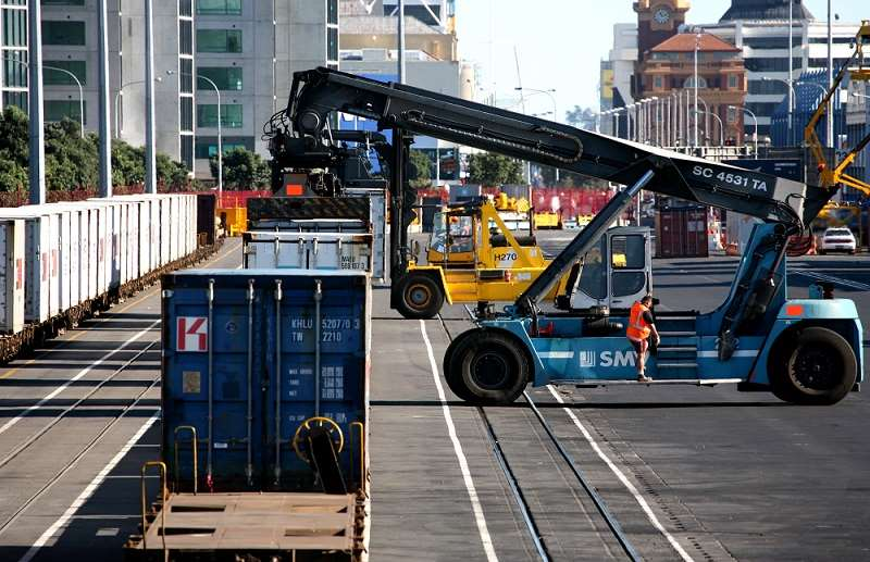Operations underway at Ports of Aucklands rail grid All images courtesy of Ports of Auckland.